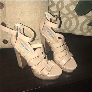 Steve Madden nude heels / Sandals